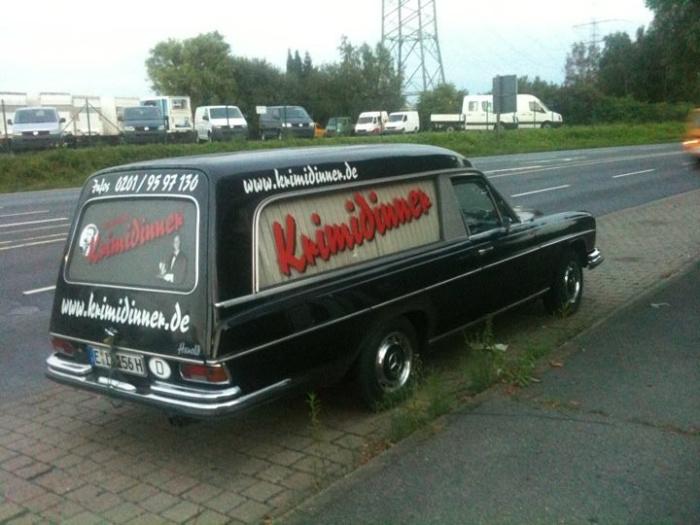 Mercedes Leichenwagen als Reklametafel - Forum - Mercedes ...