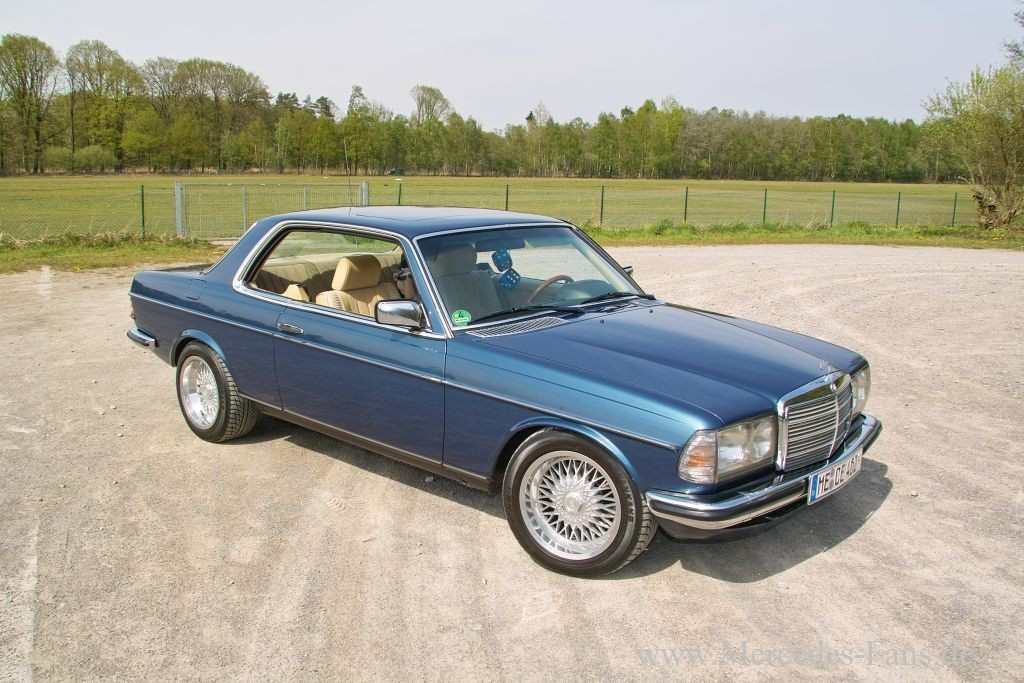 Mercedes Youngtimer In Style Coupe Mit Chic Faktor Das 82er W123