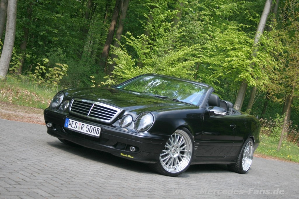 black beauty mercedes tuning am offenen clk mercedes. Black Bedroom Furniture Sets. Home Design Ideas