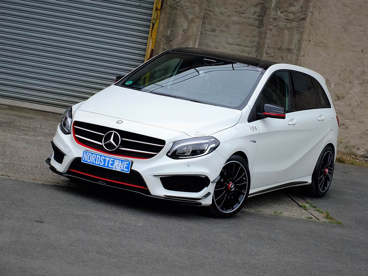 mercedes benz b klasse tuning b klasse goes high performance mercedes b 200 d als amg b45. Black Bedroom Furniture Sets. Home Design Ideas