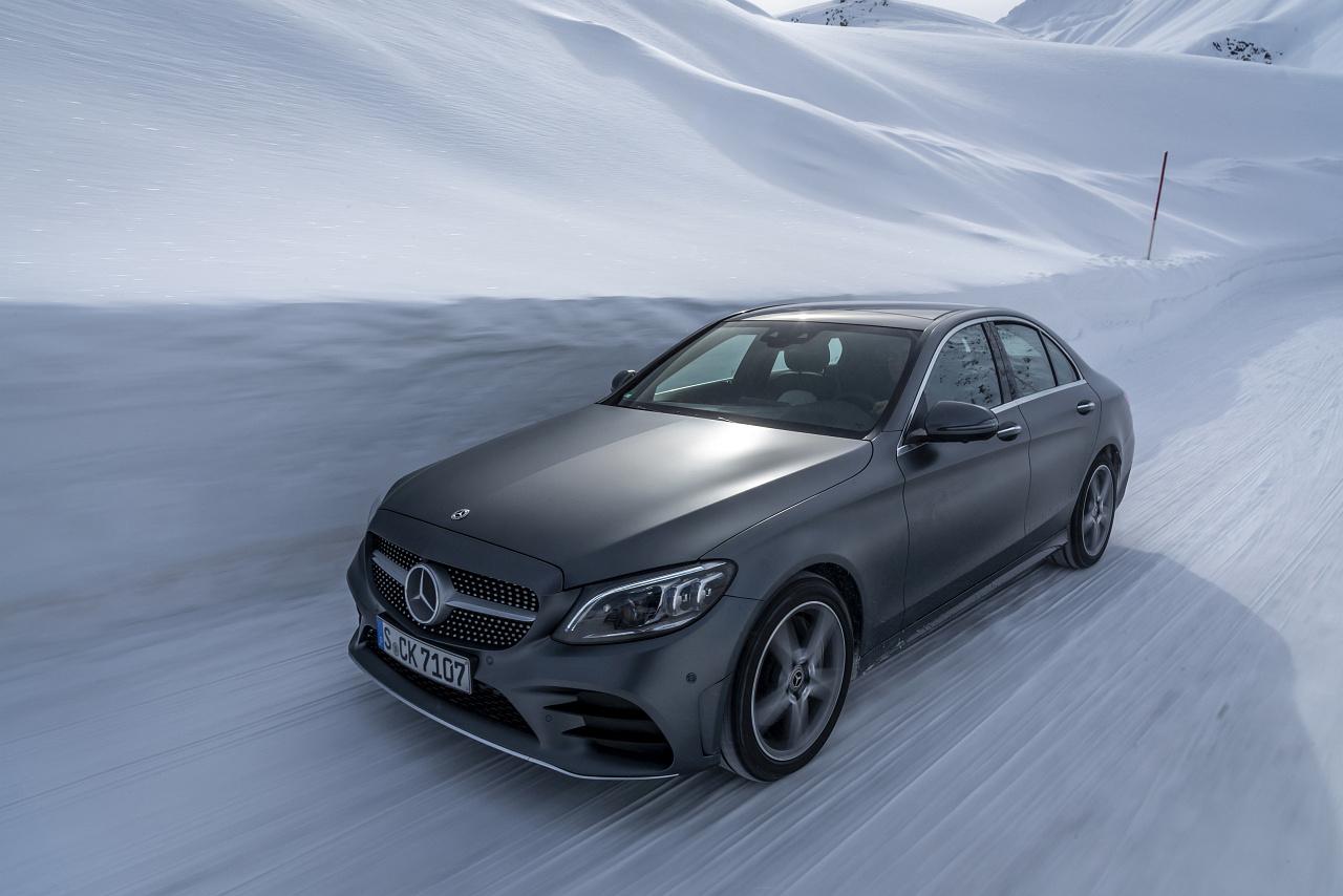 O Du Fröhliche: Die Schönsten Mercedes-Motive Im Schnee