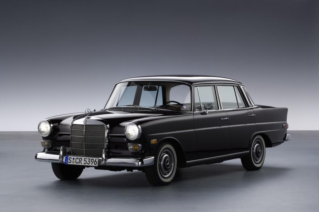 Happy Birthday Heckflosse Die Mercedes Oldtimer Mit Dem Markanten