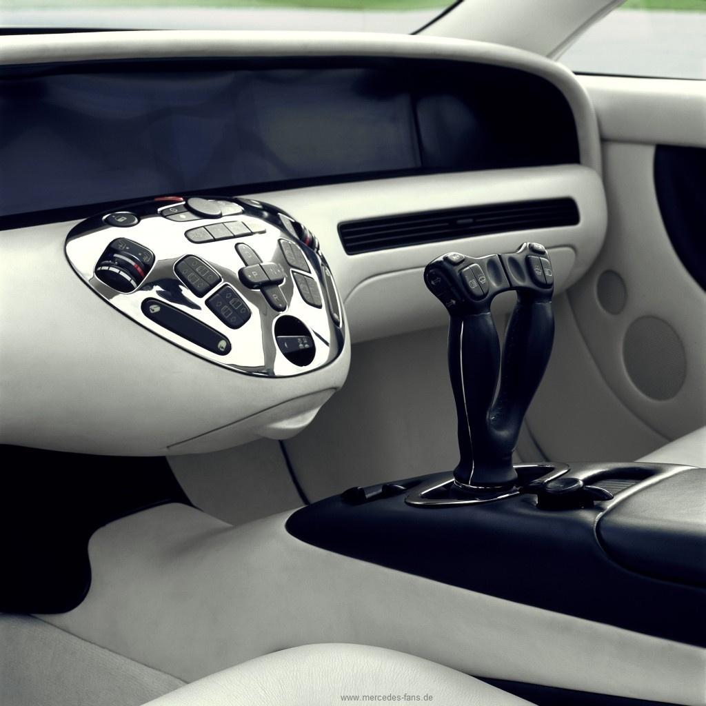 Mercedes verleiht fl gel au ergew hnliche autos mit for Mercedes benz fans