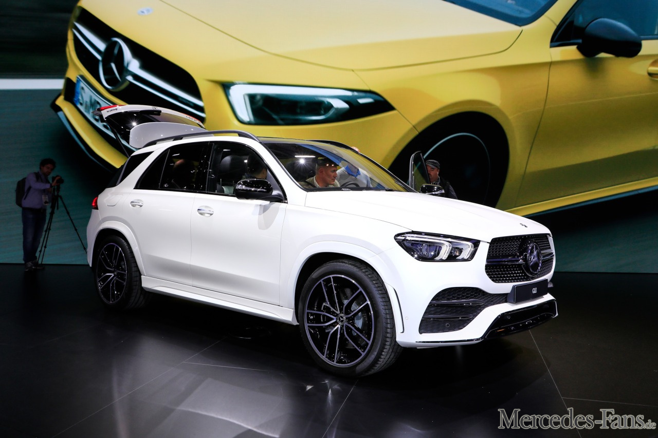 livebilder aus paris mercedes benz gle fotostrecke. Black Bedroom Furniture Sets. Home Design Ideas