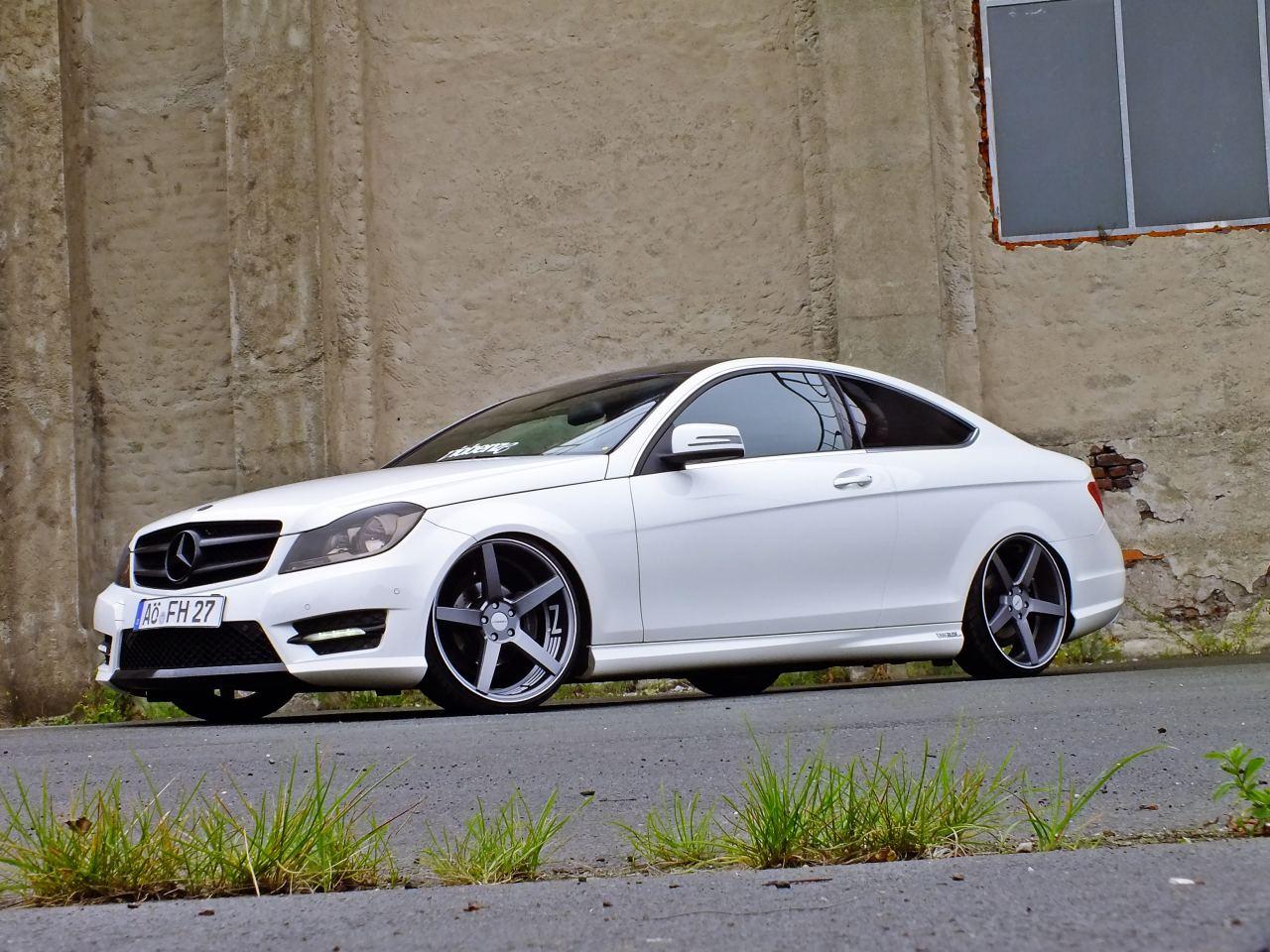 Mercedes Glc Coupe Tuning >> Mercedes-Benz C-Klasse Coupé C204 Tuning: Starke Position: Das 2011 Mercedes C-Klasse C180 Coupé ...