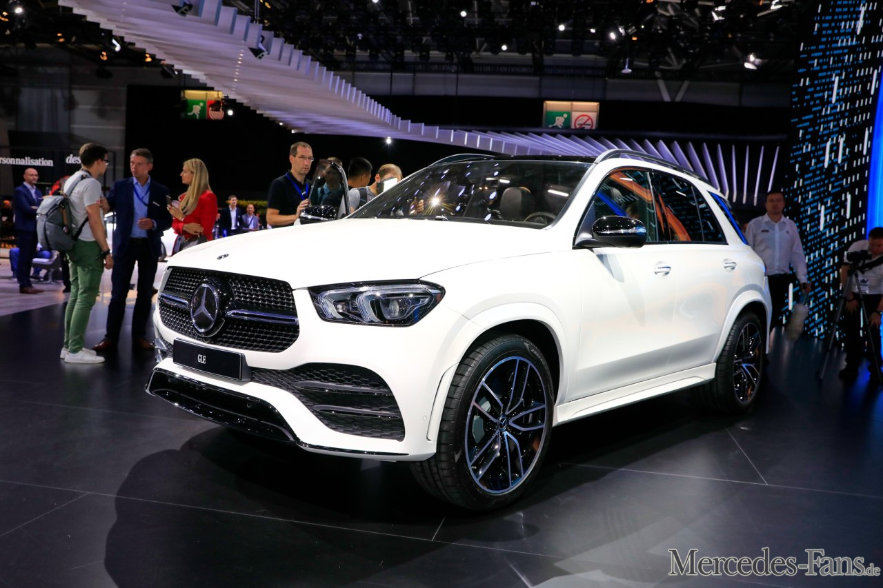 livebilder aus paris mercedes benz gle fotostrecke mercedes fans das magazin f r. Black Bedroom Furniture Sets. Home Design Ideas