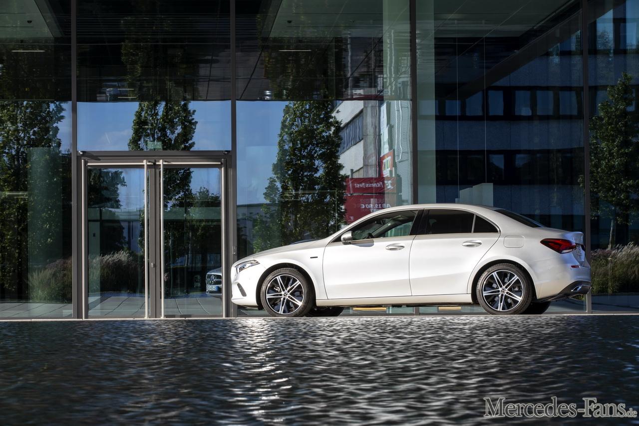 Der neue Mercedes-Benz A 250 e im Fahrbericht: Ist der ...
