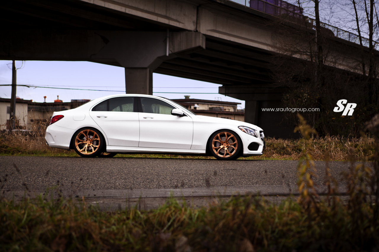 Tuning zum Goldstück: Goldig gemacht: Mercedes C300 BlueTEC