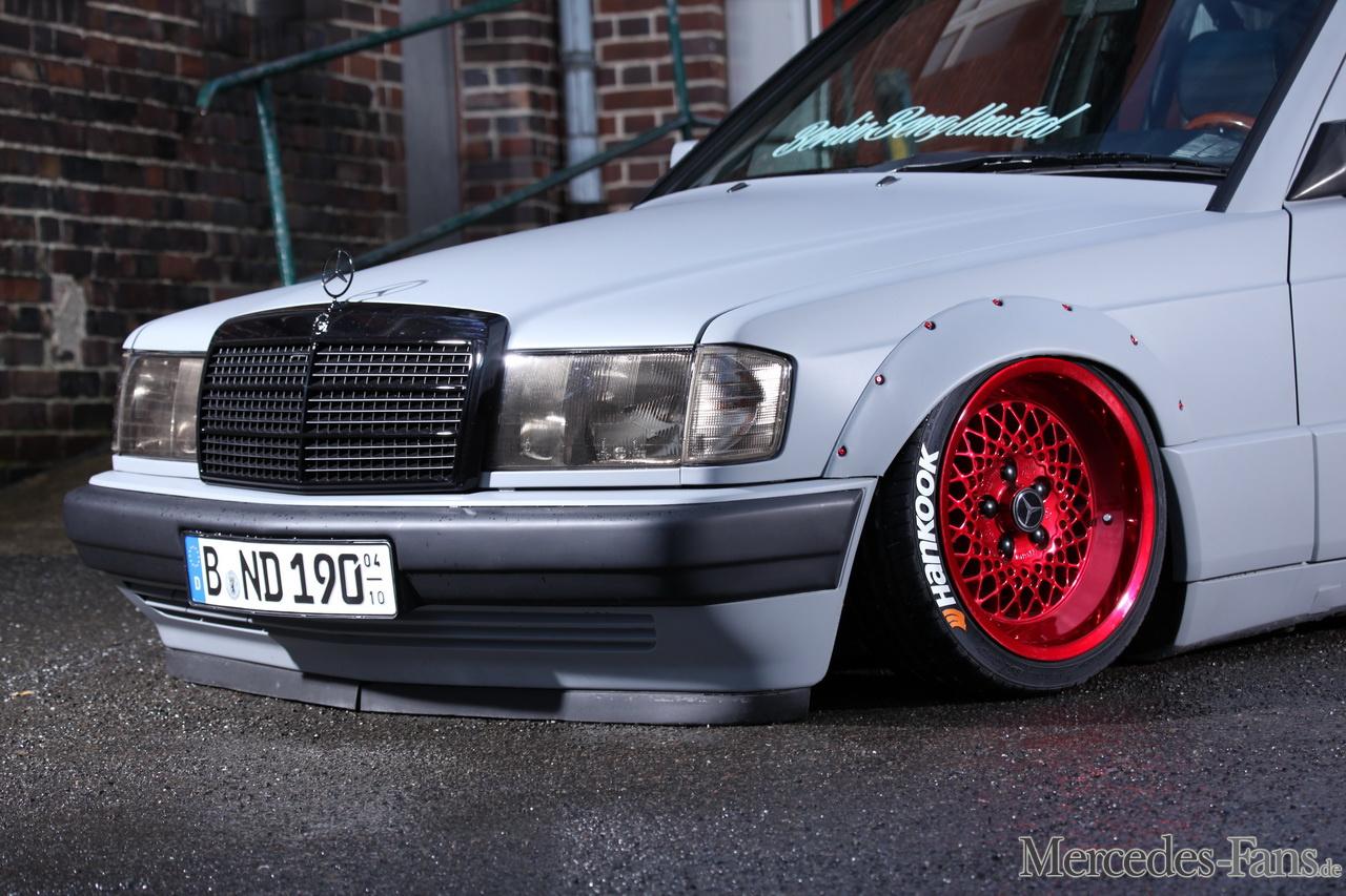 Mercedes-Benz 190 E Im Rocket Bunny Style: Rocket Bunny