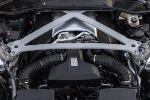 Amg Power Treibt Aston Martin An Organspende Aston Martin Db11 Nutzt 4 Liter Biturbo V8 Von Amg Als Kraftquelle Performance Mercedes Fans Das Magazin Für Mercedes Benz Enthusiasten