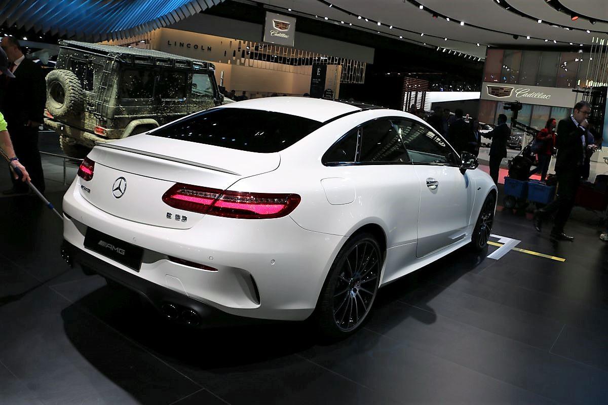 Mercedes-Benz Cars Auf Der North American International