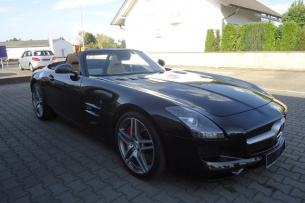 SLS AMG Roadster Carbon-Paket Interieur AMG, Bang & Olufsen ...