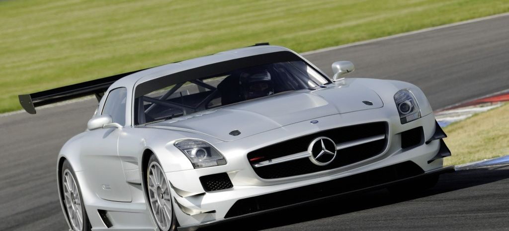 fl gelt rer f r die rennstrecke der mercedes benz sls amg. Black Bedroom Furniture Sets. Home Design Ideas
