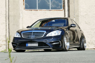 Mercedes-Benz S500 W221 Tuning: Big. Breit. Benz.