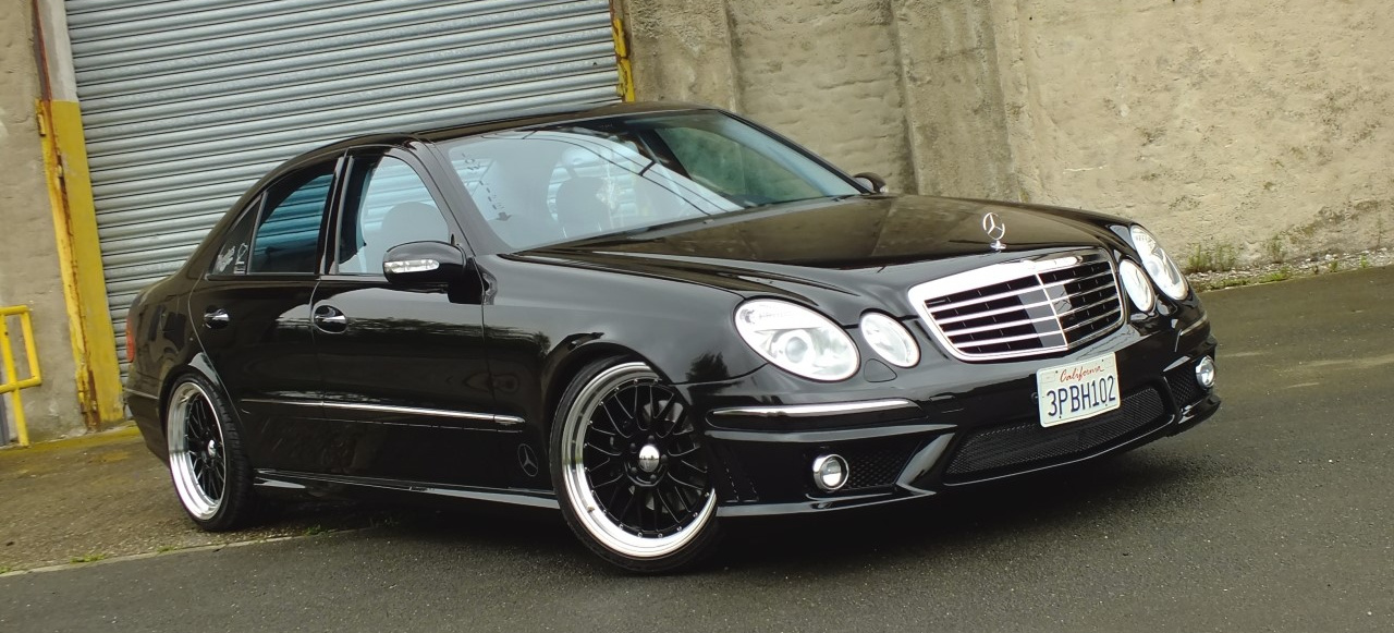 d stere aussichten 2003er mercedes e320 cdi in schwarz. Black Bedroom Furniture Sets. Home Design Ideas