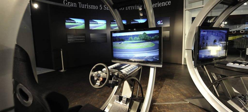 Mercedes Sls Amg Gt >> Neu und weltexklusiv nur im Mercedes-Benz Museum: : Nur hier lässt sich das Erlebnis SLS AMG mit ...