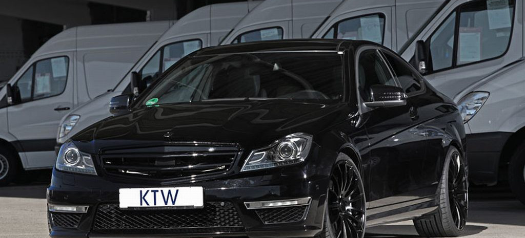 black better mercedes c63 amg von ktw tuner verleiht der c klasse mit amg dna ein plus an. Black Bedroom Furniture Sets. Home Design Ideas
