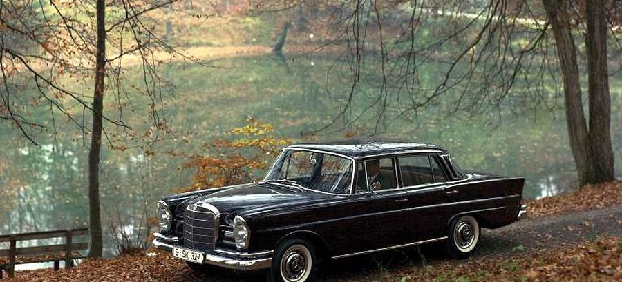 Mercedes benz baureihen der w111 die gro e heckflosse for Mercedes benz of illinois