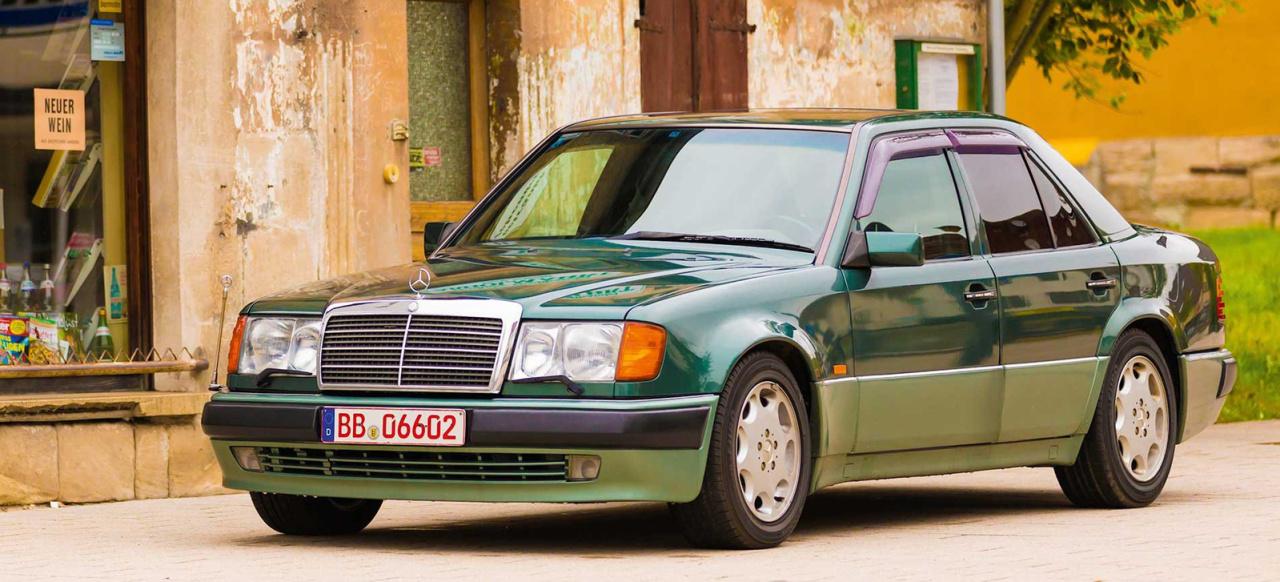 Mercedes Gls Amg >> Mercedes-Benz W124 Kalender von HEEL: Der Kalender für ...