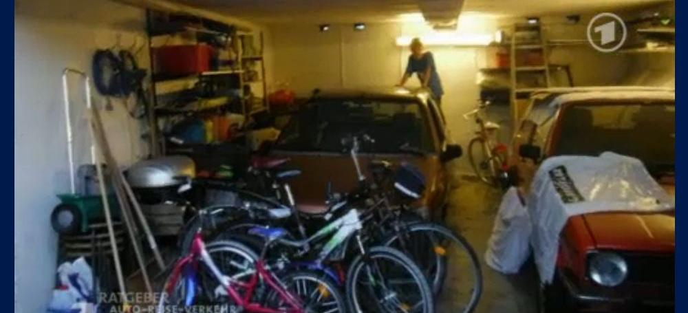 beh rdenwahnsinn 500 euro strafe weil kein pkw in der garage steht das aufr umen der garage. Black Bedroom Furniture Sets. Home Design Ideas