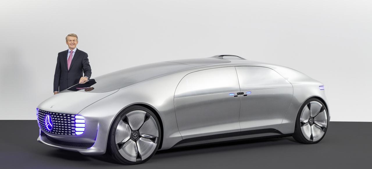 """Mercedes F 015 >> Mercedes-Benz F 015 Luxury in Motion: Interview mit Thomas Weber und Herbert Kohler: """"Autonomes ..."""