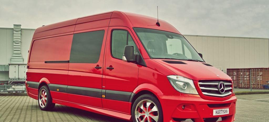 rot und rassig sportiver mercedes benz sprinter von. Black Bedroom Furniture Sets. Home Design Ideas