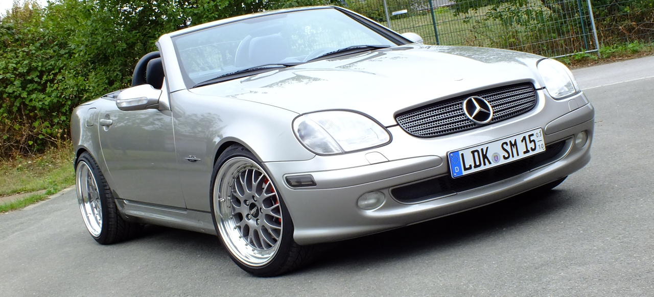 let the sunshine in am steuer eines 2002er mercedes slk kompressor r170 geht die sonne auf. Black Bedroom Furniture Sets. Home Design Ideas