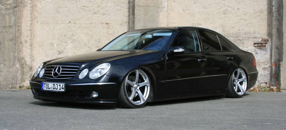 tief gesunken mercedes e200 cdi w211 per airride. Black Bedroom Furniture Sets. Home Design Ideas