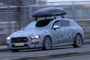 Mercedes-Benz Erlkönig erwischt: Star Spy Shot: Mercedes-Benz CLA Shooting Brake II gefilmt