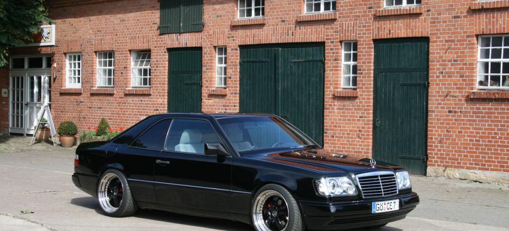 gut und g nstig mercedes benz coupe der baureihe c124 89er mercedes 300ce bietet viel f r. Black Bedroom Furniture Sets. Home Design Ideas