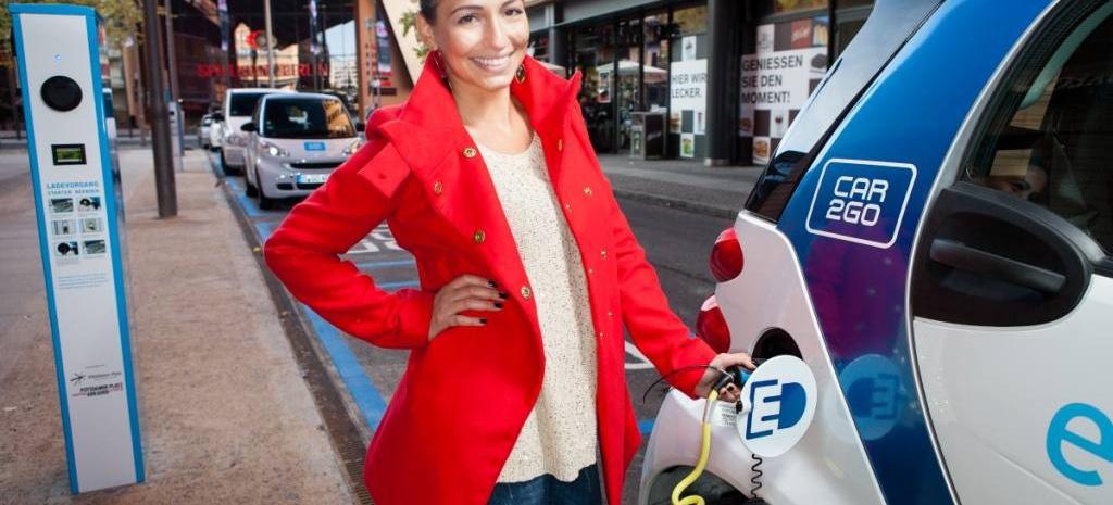 car2go elektrisiert berlin car2go bringt erste elektrofahrzeuge nach berlin news mercedes. Black Bedroom Furniture Sets. Home Design Ideas