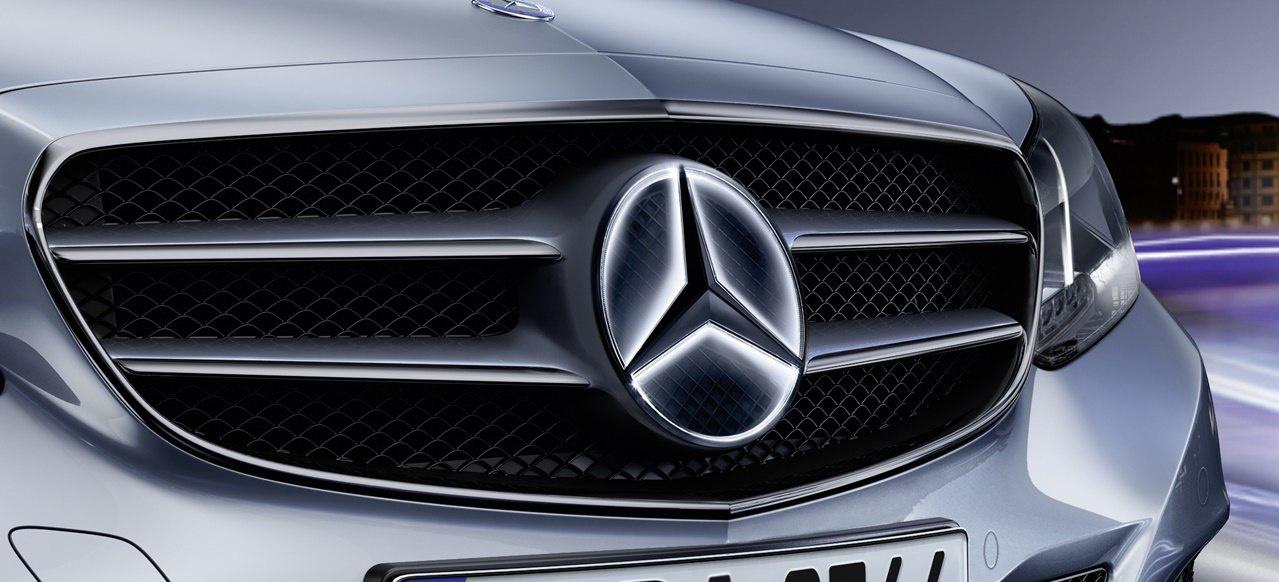 Autonomes Fahren Daimler Und Uber Planen Zusammenarbeit