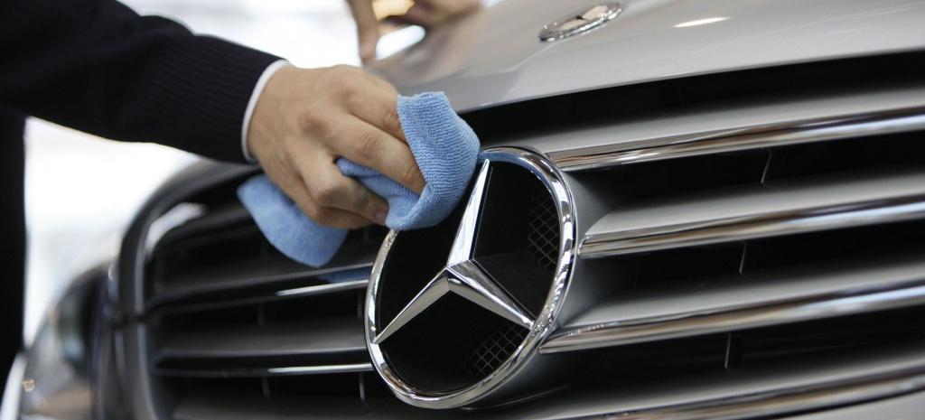 Mercedes benz h ngt volkswagen ab studie markenkampagne for Mercedes benz dealer services