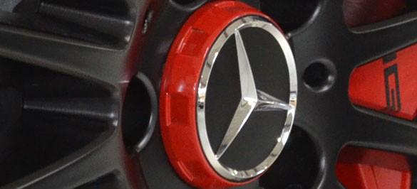 Mercedes Benz Unimog >> Rote Nabendeckel vom A45 AMG Edition One: Stylishes zum ...