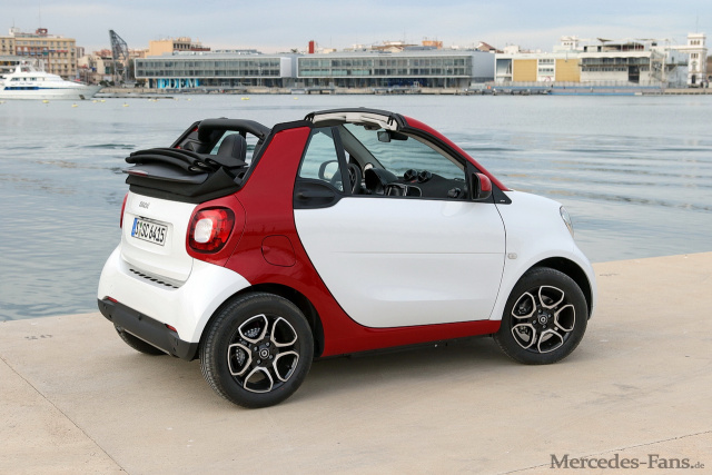 das neue smart fortwo cabrio im fahrbericht wann kommt. Black Bedroom Furniture Sets. Home Design Ideas