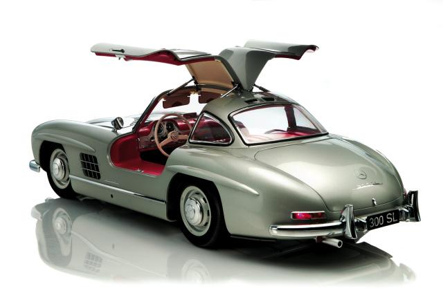 modellauto in 1 8 neuer mercedes benz 300 sl fl gelt rer. Black Bedroom Furniture Sets. Home Design Ideas
