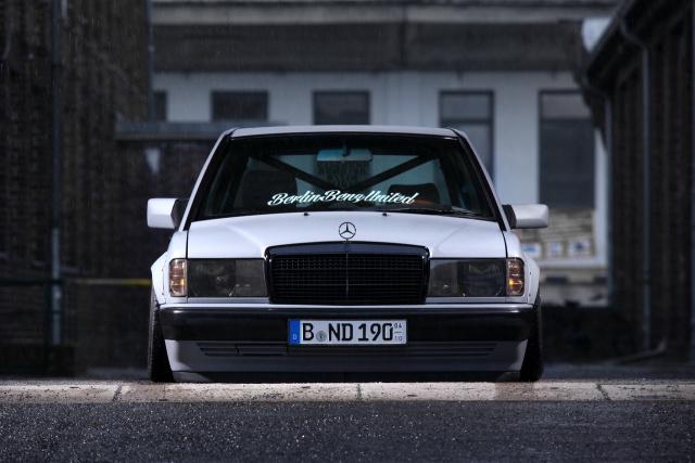 Original-Liebhaber bitte lieber wegschauen: Mercedes-Benz 190 E im