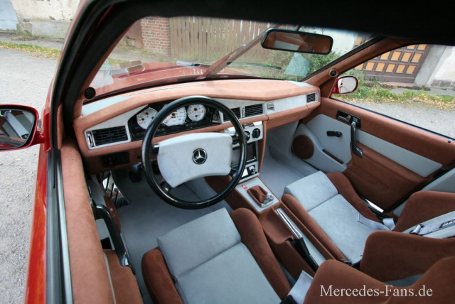 Au 223 En Uih Innen Hui Mercedes W201 190er Mit Dem Vollen Programm Auto Der Woche Mercedes