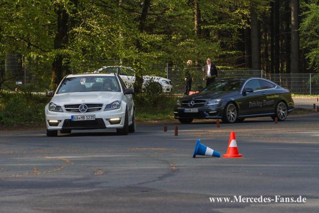 Berufsfahrer trainings mercedes benz driving events for Mercedes benz training program