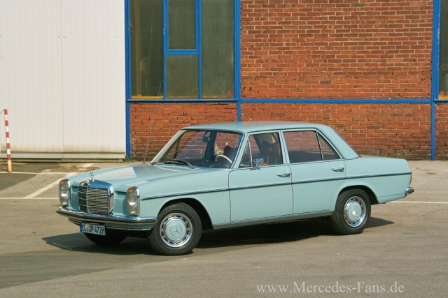 In Alter Schoenheit Mercedes Strich Acht W114 72er Mercedes 230 8 Ist Fit Wie Eh Und Je on mercedes benz w114