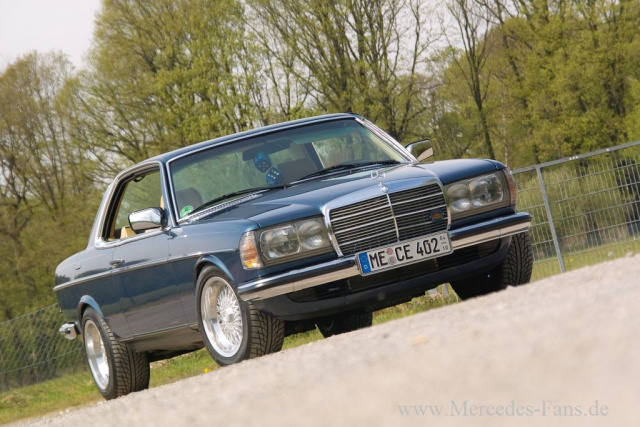Mercedes Youngtimer In Style Coupe Mit Chic Faktor 82er W123