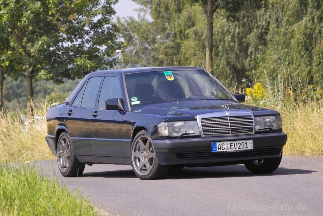 fit wie eh und je mercedes benz w201 90er 190e 2 6 sportline wird gehegt und gepflegt auto. Black Bedroom Furniture Sets. Home Design Ideas