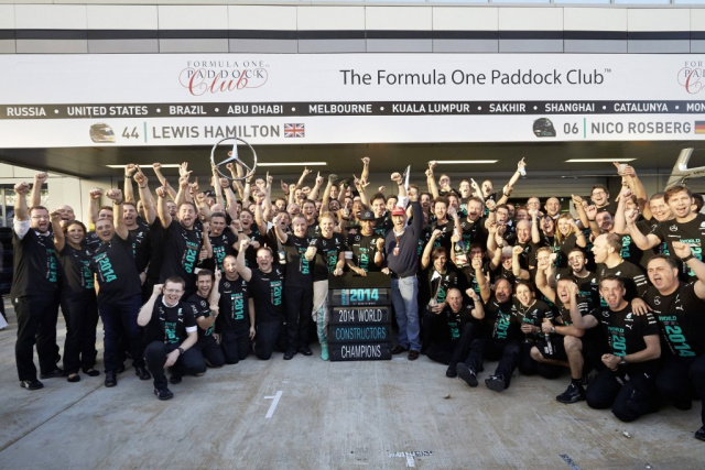Formel 1 das t shirt f r champions offizielles t shirt for Mercedes benz of hanover staff