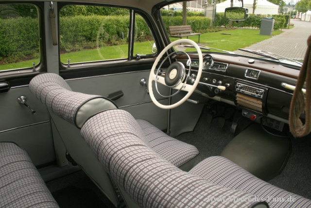 Kindheitstraum mercedes benz 190d ponton w121 mercedes for Interieur mercedes 190d